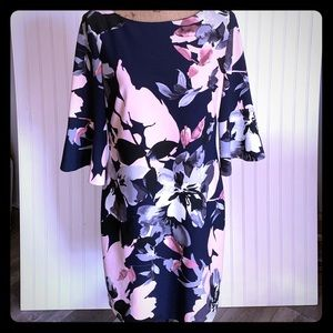 Navy Floral Vince Camuto